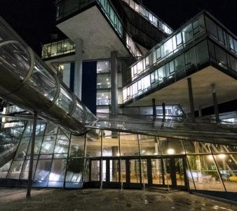 Architektur bei Nacht